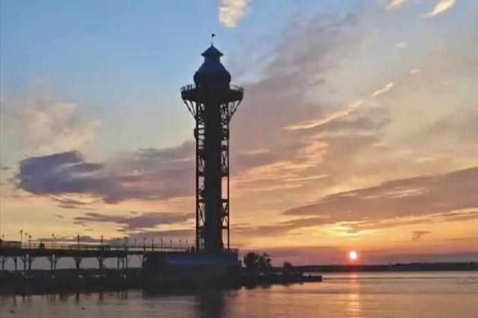 bicentennial tower_3956880028927608239