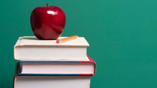 Apple-on-top-of-school-books-jpg_157932_ver1_20161218210133-159532