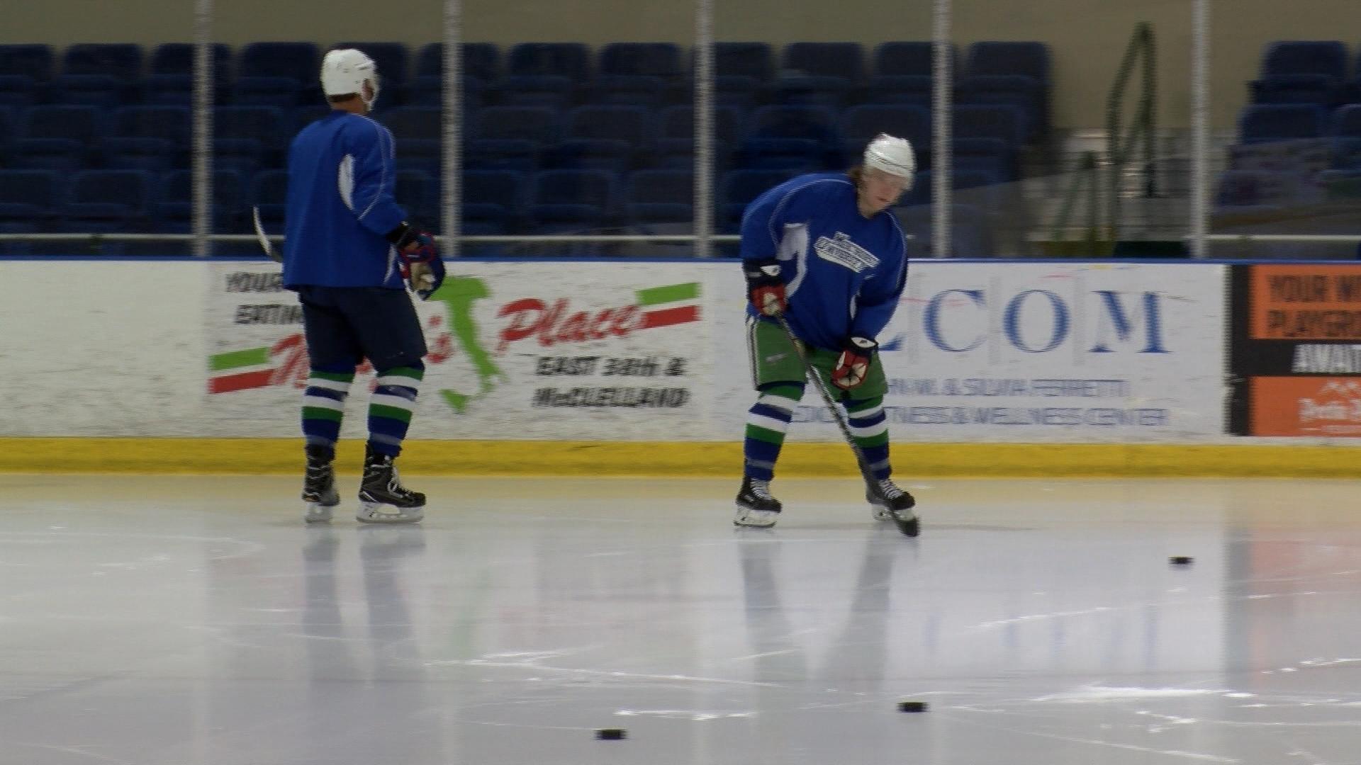 Deaf Ice Hockey_1492307012606.jpg
