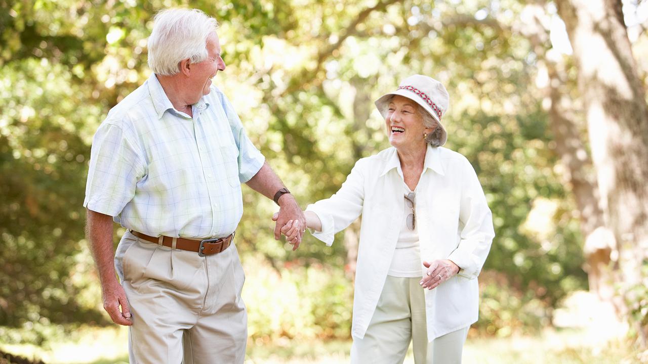 seniors%20walking_1507824704737_307645_ver1_20171013051201-159532