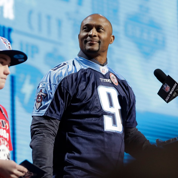 NFL Draft Football_1556327818781