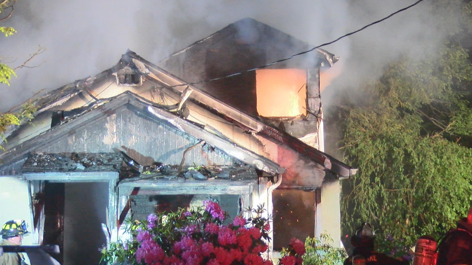 west kelso fire_1559810697991.jpg.jpg