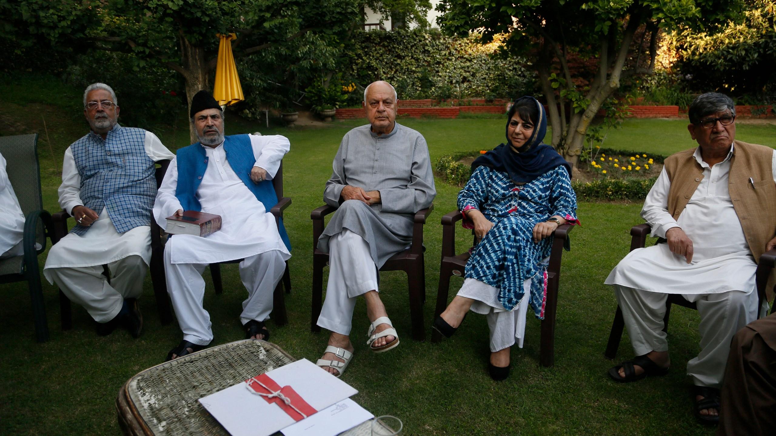 Mehbooba Mufti, Farooq Abdullah