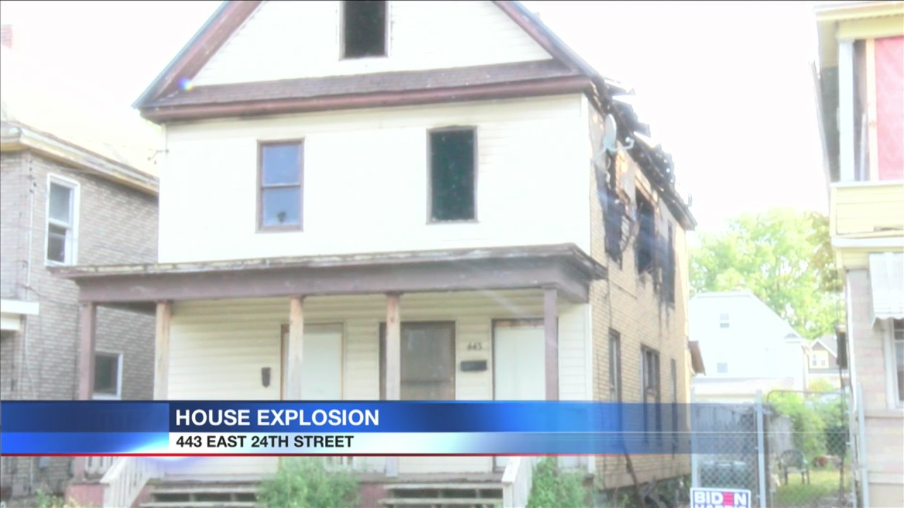 Loud Explisuon Sound Christmas 2020 Police investigate a report of a loud explosion from a vacant
