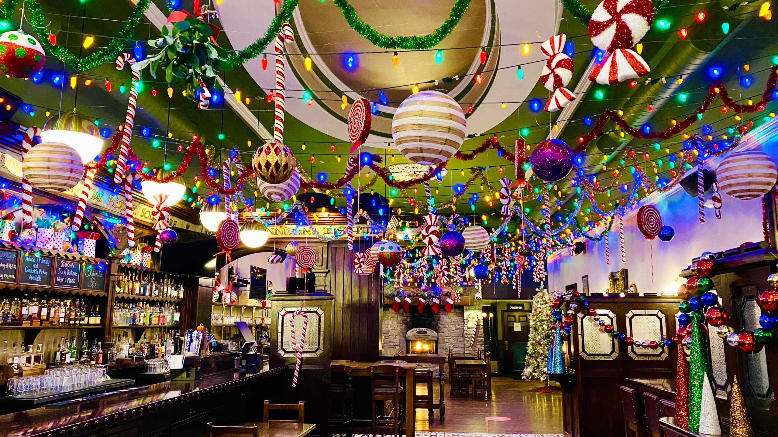 Christmas Bar 2020 Molly Brannigan's transforms into Christmas bar   WJET/WFXP